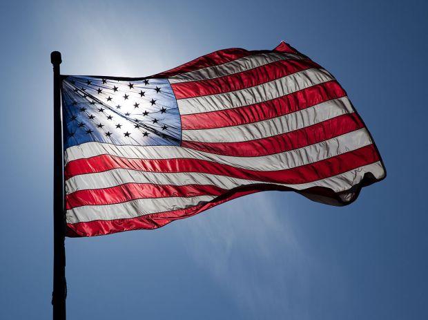 1024px-US_Flag_Backlit