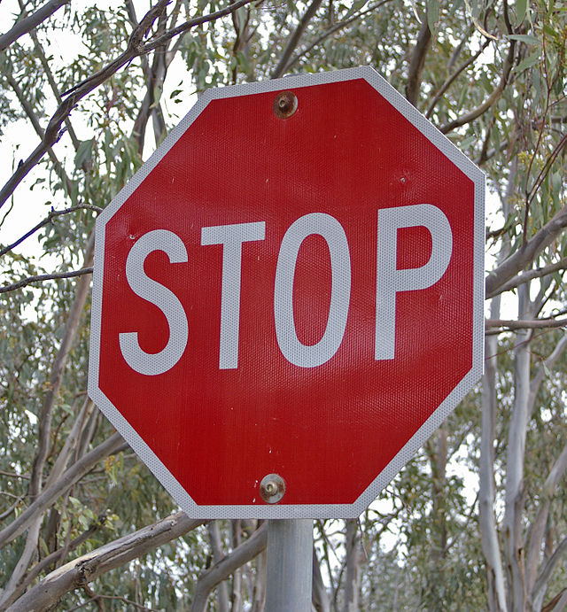 640px-STOP_sign